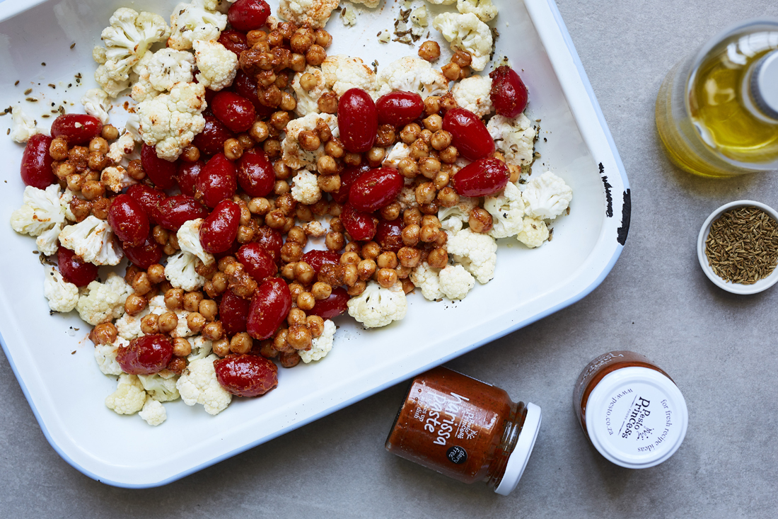 MICHELLE PARKIN PHOTOGRAPHY_CHICKPEA + CAULIFLOWER SALAD_126_HIGH RES