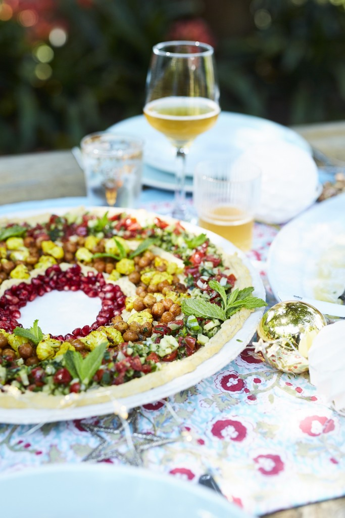 Pesto Princess © Loaded Hummus Wreath